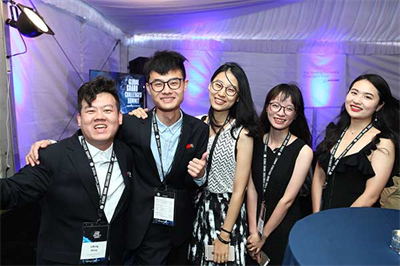 Student attendees pose for a photo to ring in the 2017 GGCS